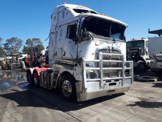 2014 Kenworth K200 Prime Mover Wrecking